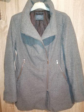 Szary płaszcz bershka