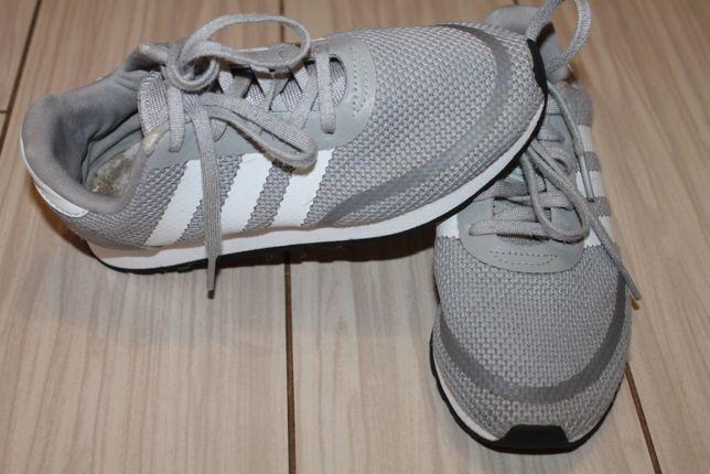 Детские кроссовочки adidas р.30.5 см.ст.20.5 см.Оригинал.