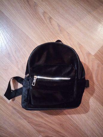 Замшевый рюкзак маленький