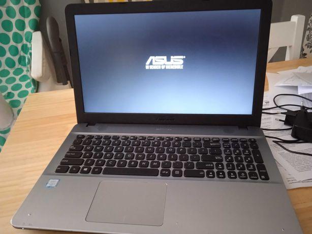 Laptop ASUS X541u 4GB ram Intel core i3