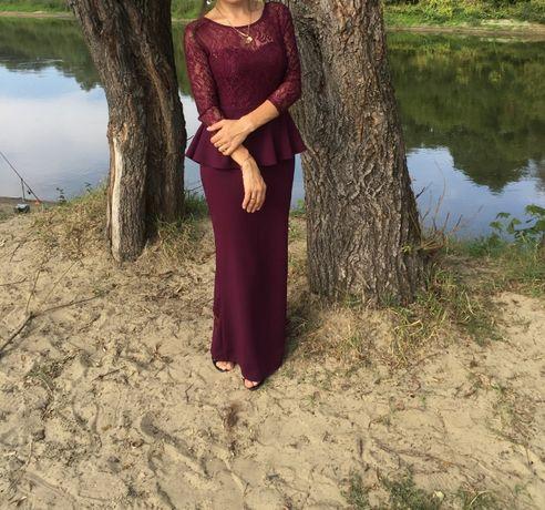 Платье шикарное.