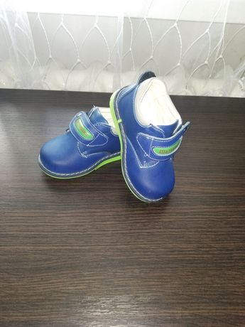 Детские ботиночки,туфли