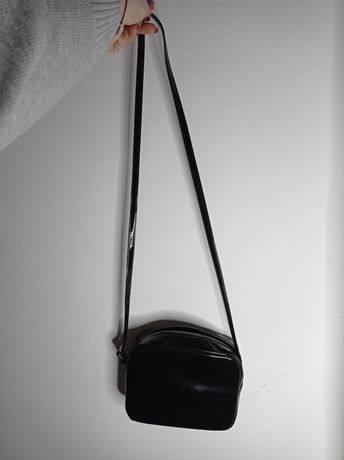 Torebka czarna lakierowana