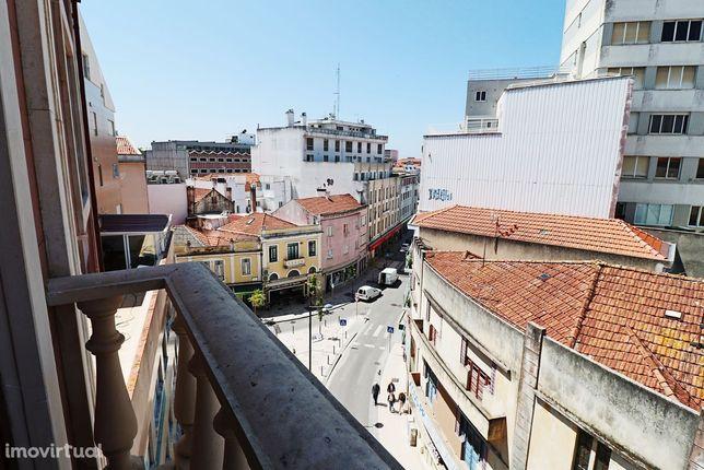 Apart. T4 Duplex com garagem 2 carros, localização premium, em Aveiro
