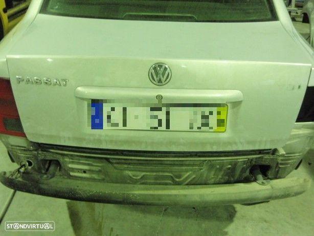 Tampa de mala - VW Passat 1997
