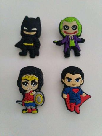 Pins para crocs batman superhomem e joker