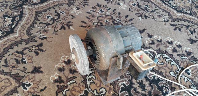 Silnik elektryczny 0.8 kw