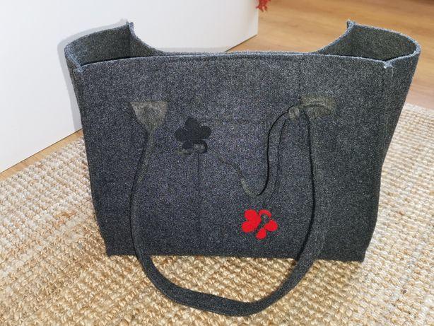 Torebka welurowa typu Shopper bag.