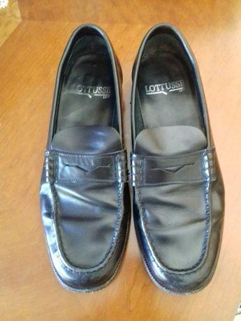 Sapatos pretos Impecáveis