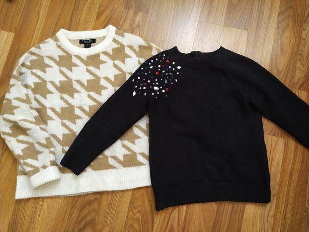 Теплый свитер для девушки