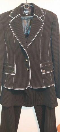 Костюм тройка женский( брюки, юбка, пиджак)