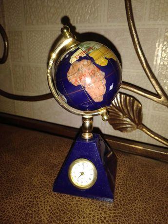 Глобус-часы из полудрагоценных камней