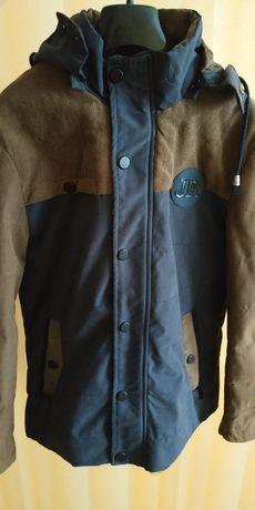Куртка на мальчика размер: 46