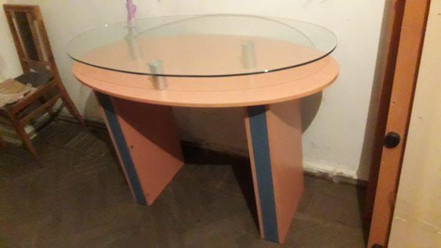 Продам стол стеклянной столешницей