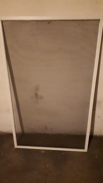 Siatka przeciw owadom w ramce