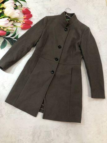 Дуже гарне шерстяне пальто