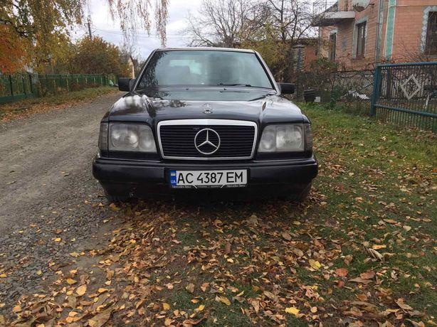 Mercedes Benz 124 E-class