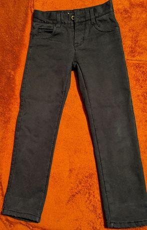 Продам утепленные брюки на мальчика. 21 размер. 350₽