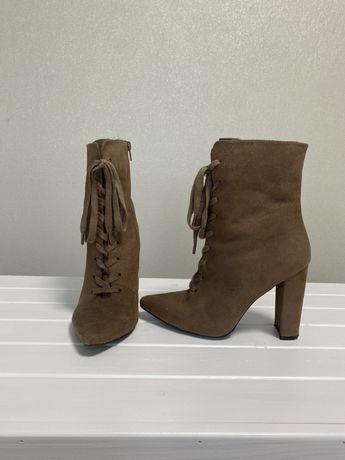 Ботинки, туфли, сапожки 38-39р