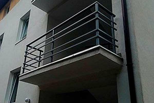 Металлические перила ограждения на балкон решетки на окна