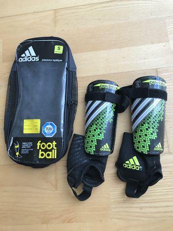 Футбольная защита голени adidas predator