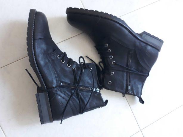 Botas pelo tornozelo - Tapadas