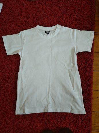 Koszulka chłopięca. 146.