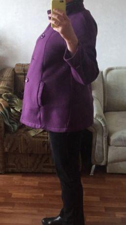 Пальто легкое для беременной