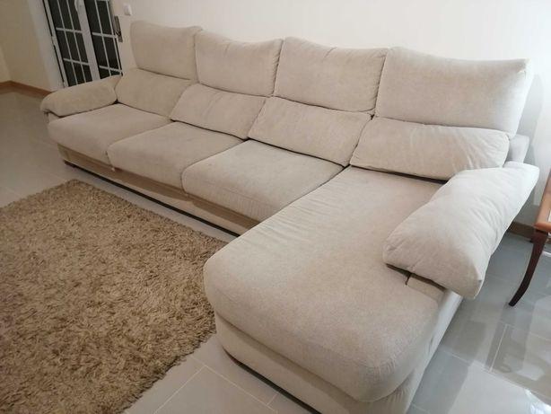 Sofá de 4 lugares c/ chaise long