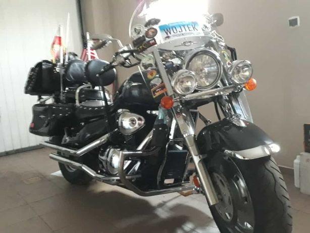 Suzuki Boulevard C90T 1500cc
