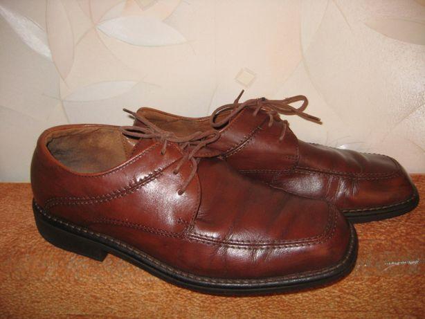 Фирменные кожаные туфли Eссо 42р.