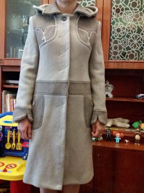 Пальто женское 42 - 44 размер