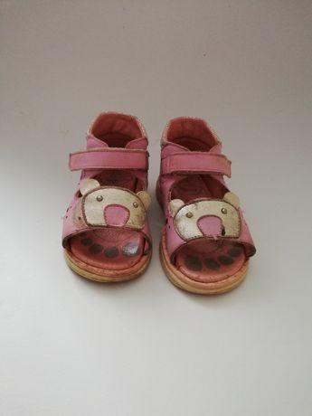 Sandałki dla dziewczynki firmy renbut