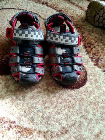 Босоножки, сандали, кроссовки, тапочки
