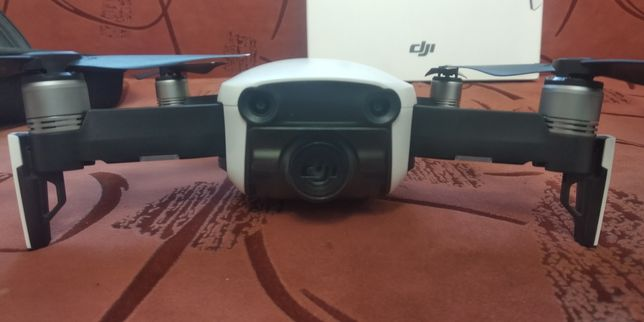 Квадрокоптер DJI mavic air полный комплект