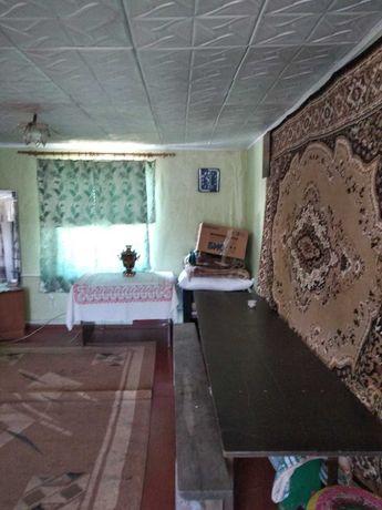 Двухэтажный дом в центре села Александровка