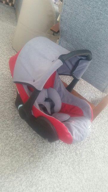 Fotelik samochodowy nosidełko