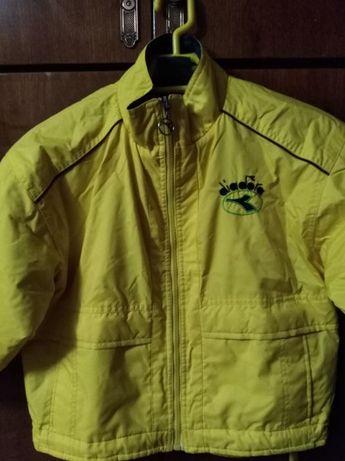 Курточка осенняя на 6-7 лет