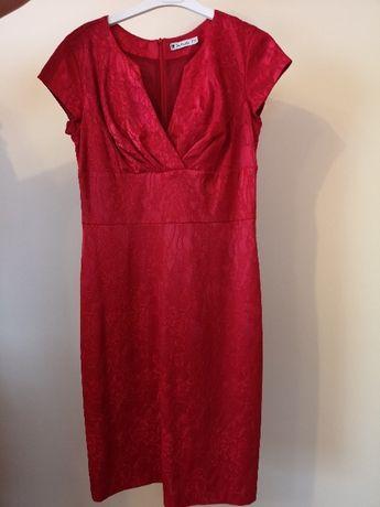 Sprzedam sukienkę DeFacto kolor czerwony