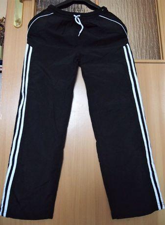 Спортивные, не промокаемые штаны-дождевики 10-11 лет Мatalan