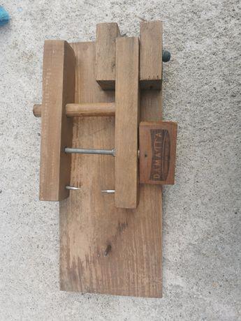 Suporte para presunto em madeira