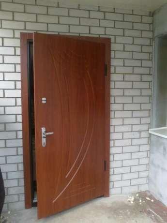 Двери металлические 3100 грн,решётки,ворота изготовление под заказ.