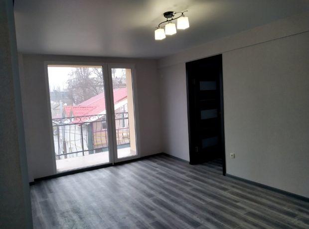 Продам 2 комнатную квартиру-студию c автономным отоплением в центре