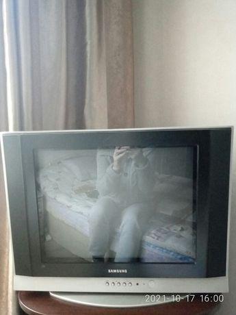 Продаётся телевизор, диагональ 53 см.