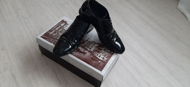 Buty lakierowane VENEZIA rozm 41