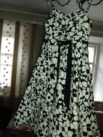Платье плаття на 6-8 лет.