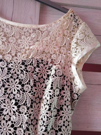 Sukienka z koronki na podszewce