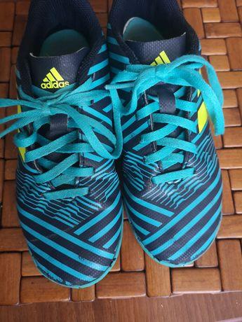 Buty chłopięce sportowe na halę