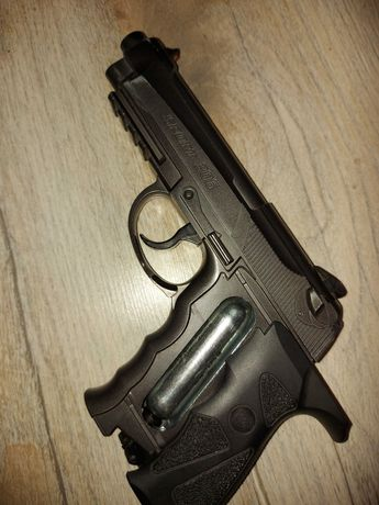 Beretta Wiatrówka pistolet Wingun Sport 306 kal. 4,5 mm- metalowy