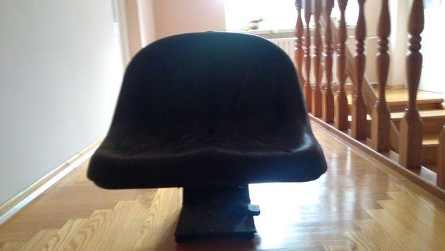 Siedzenie ciągnikowe uniwersalne całkowite C-330